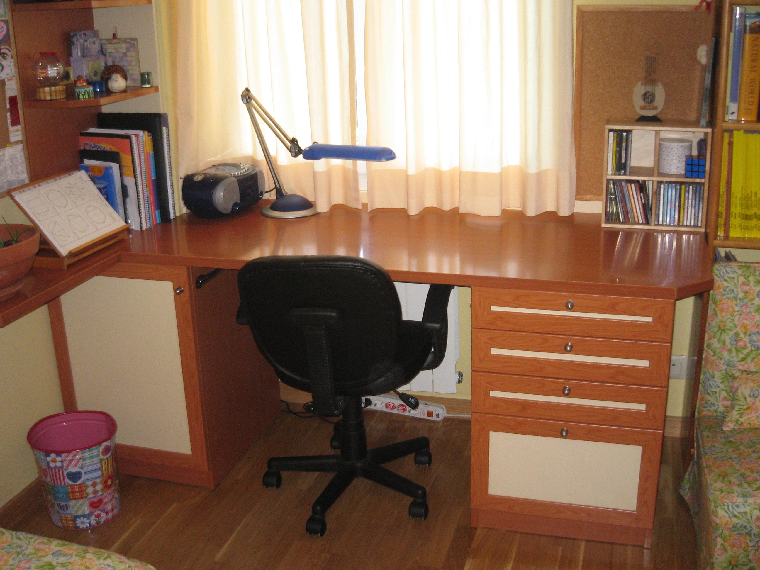 Mesa estudio tablas maderas y decoraci n en majadahonda - Mesa de estudio de cristal ...