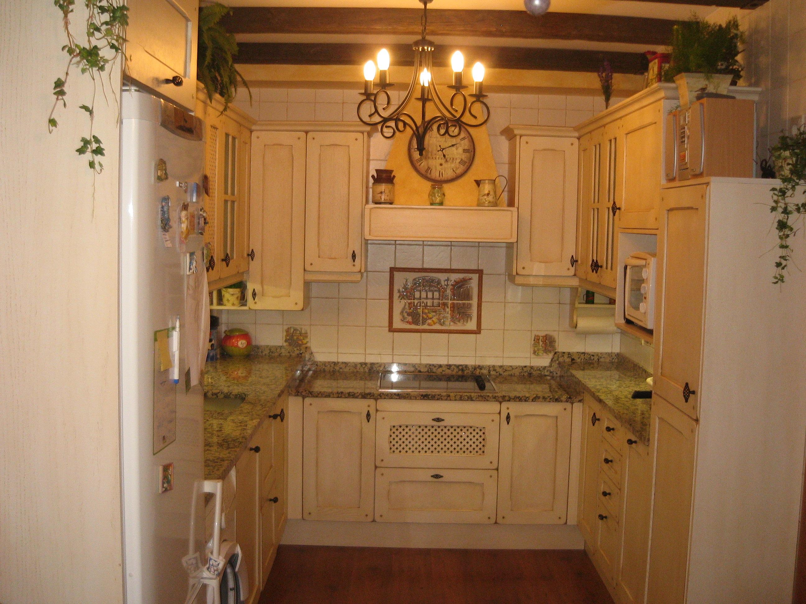 Cocinas tablas maderas y decoraci n en majadahonda for Decoracion de cocinas con muebles de madera
